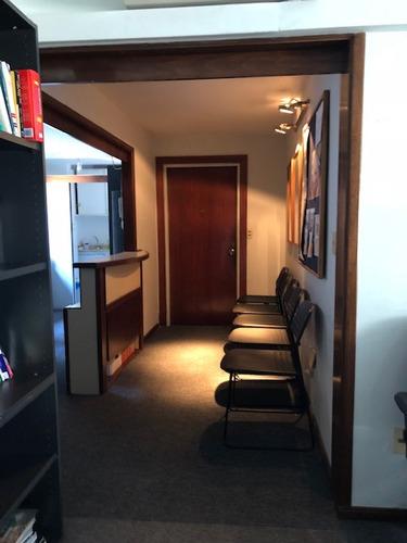 oficina en ciudad vieja!!! con garaje para 1 auto