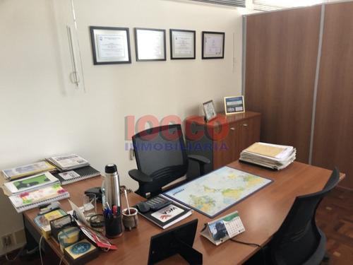 oficina en ciudad vieja próxima al puerto