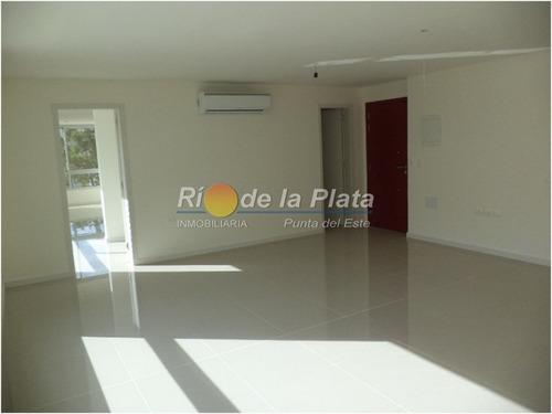 oficina en venta y alquiler en punta del este - ubicado sobre avenida italia en zona de design district - ref: 12189