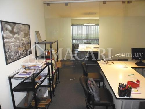 oficina - estudio impecable primer piso al frente con garaje