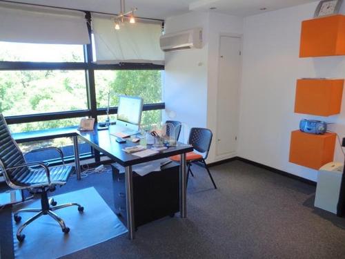 oficina frente al golf