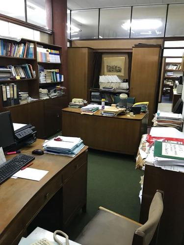oficina o local,134 m2 planta baja ;río branco y colonia