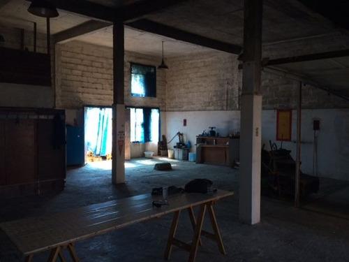 oficina sosa . solido galpón de material y terreno de 420 metros