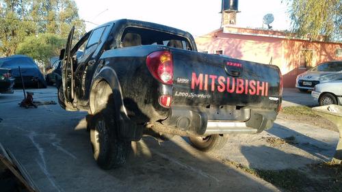 oport.   mitsubishi l200 sportero chocada