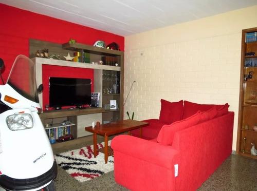 oportunidad, 5 dormitorios, 80 m2, con patio, lezica!!