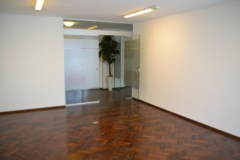 oportunidad!!! 7 oficinas en 200m2, con buena renta.