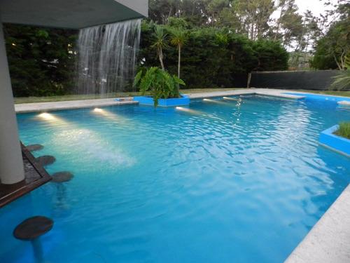 oportunidad! casa con gran jardín y piscina! desde usd 270!