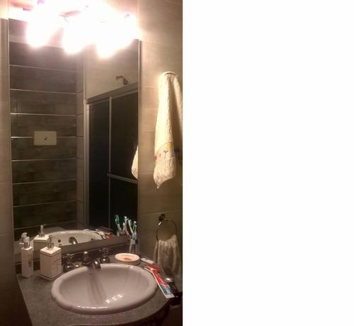oportunidad! piso 3. 2 dormitorios. luminoso. gc $6000