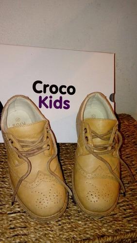 oportunidad !!!! zapatos de niño. en muy buen estado !!!