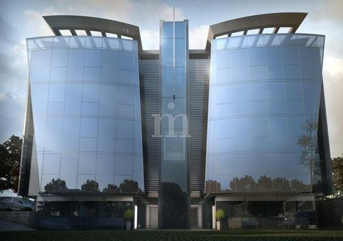 ott design: oficina muy  próxima al aeropuerto