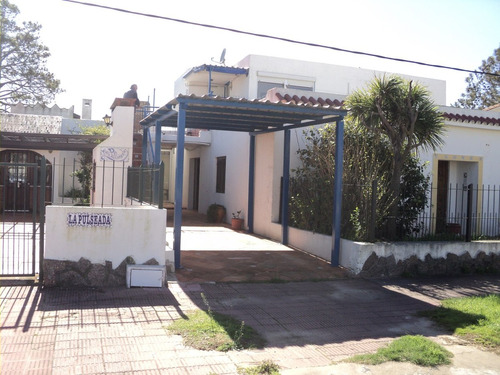 p717 se vende casa 1 cuadra de la playa 3 dormitorios 2 baño