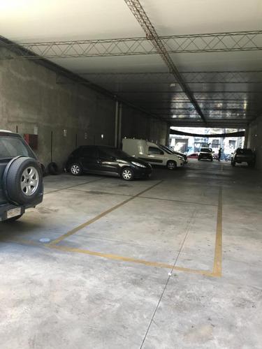parking en el centro, gran ubicación!