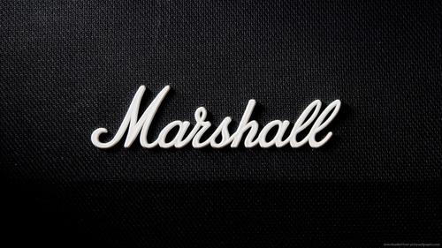 parlante bluetooth marshall kilburn cream
