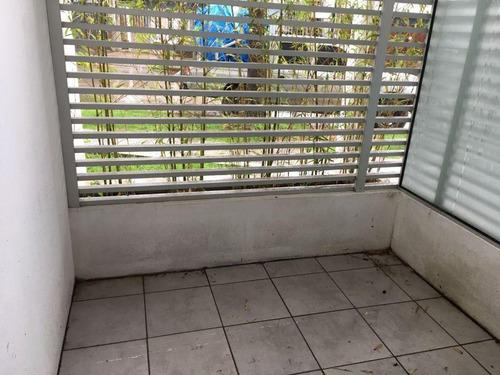 patio, cocina con office, 3 dormitorios