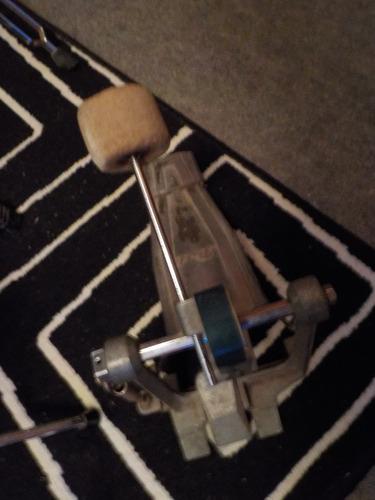 pedal pearl y artil generico charles