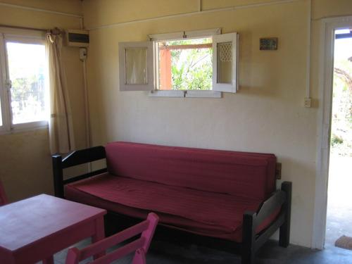 peke, preciosa y cómoda casa para tres personas