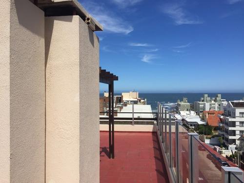 península apto 3 dormitorios, 3 baños y terraza c/parrillero