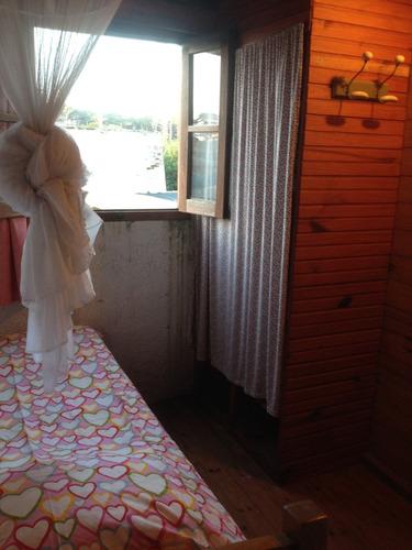 pequeña casita en la paloma ideal para pareja con un niño