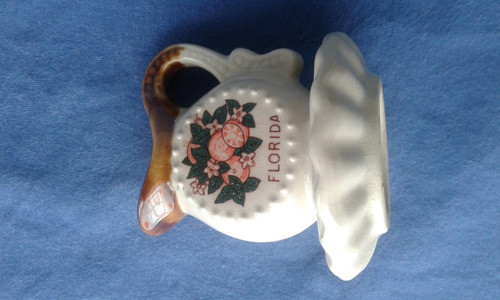 pequeña jarrita de ceramica para adorno  , decoraccion etc