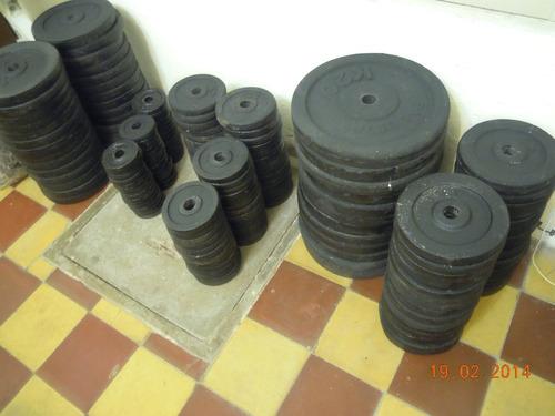 pesas de hierro fundido.