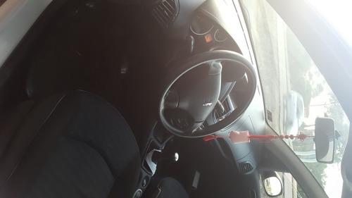 peugeot 207 compact sedan 1.4