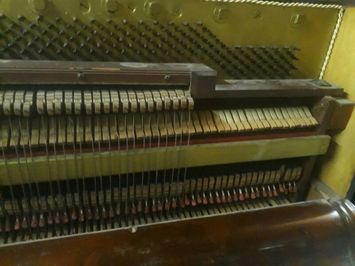 piano vertical aleman
