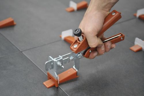 pinza niveladora de ceramica