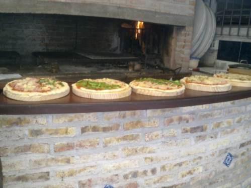 pizzas a la parrilla! calzones, chivitos, gramajo!! reyes!!