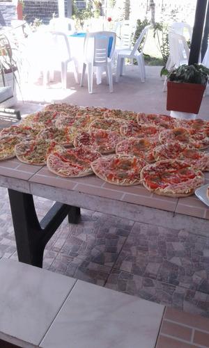 pizzas, calzones y chivitos a la parrilla