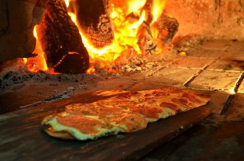 pizzería y chivetería en carmelo