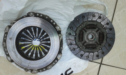 placa y disco embrague peugeot 301- 1.2 cc 200 mm usada