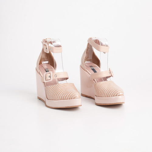 plataforma de cuero. art calelia rosa. otro calzado