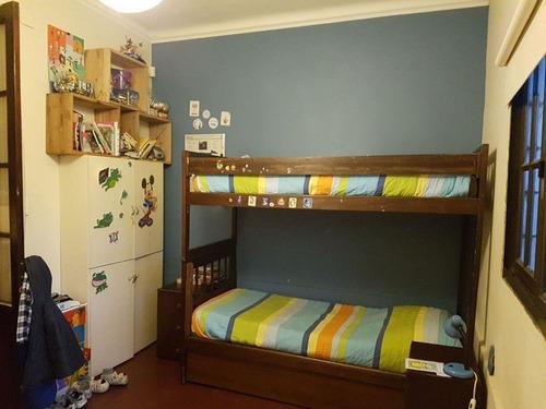 pocitos. departamento ph independiente de 122m2 sin gastos comunes. 2/3 dormitorios.