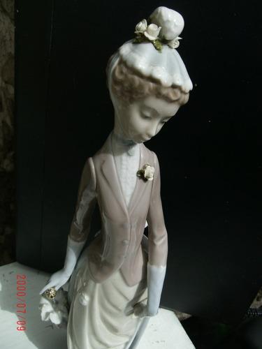 porcelana lladro dama con perrito y sombrilla 36 cm.