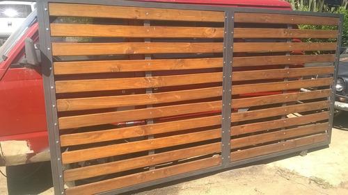 portones y cerramientos perimetrales en hierro y madera