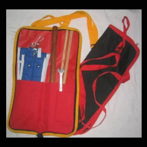 práctico estuche para llevar tus palos, talín y etc.