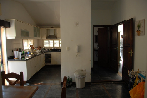 preciosa casa cercana a rambla 2d más apto independiente