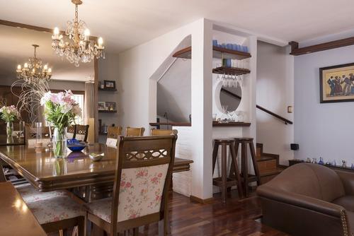 preciosa y muy segura casa en linda zona de pocitos