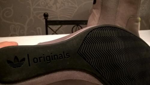 preciosas botas taco chino adidas  100% cuero y gamuza!!!