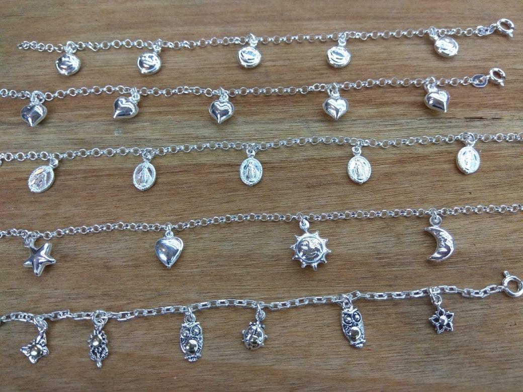 040b7ac2ac28 preciosas pulseras de plata con dijes colgantes. Cargando zoom.