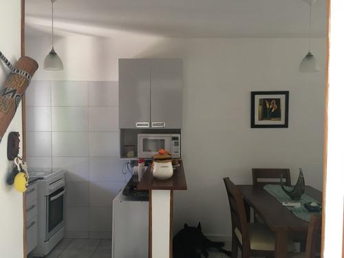 precioso apartamento en planta baja c/patio acepta bco