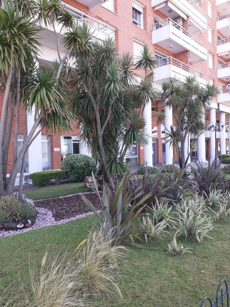 precioso apartamento sobre rambla piriapolis