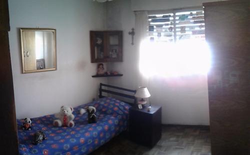 prox. a rambla - barrios amorin y durazno 2d. 1b.coc. liv.