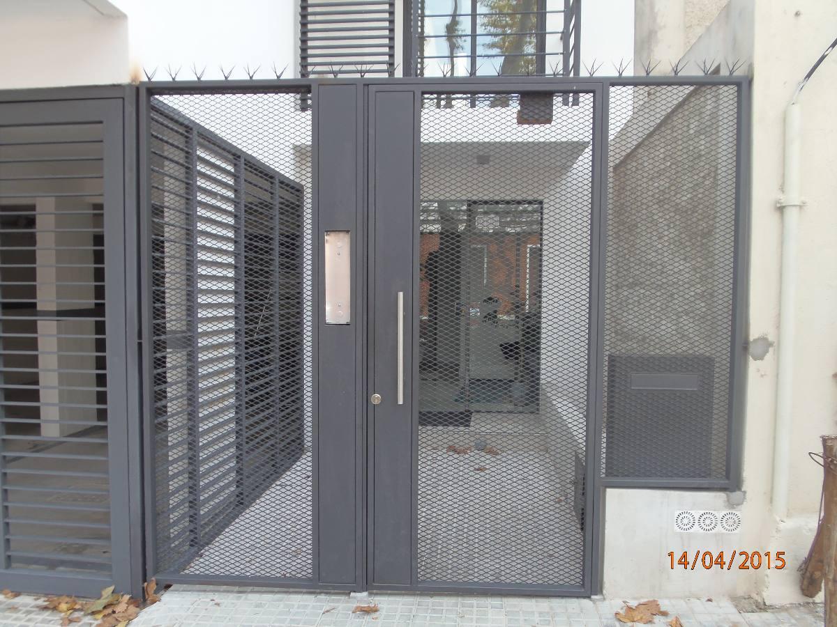 Puerta de rejas cerramientos colocaciones aluminio mamparas en mercado libre - Rejas de aluminio ...