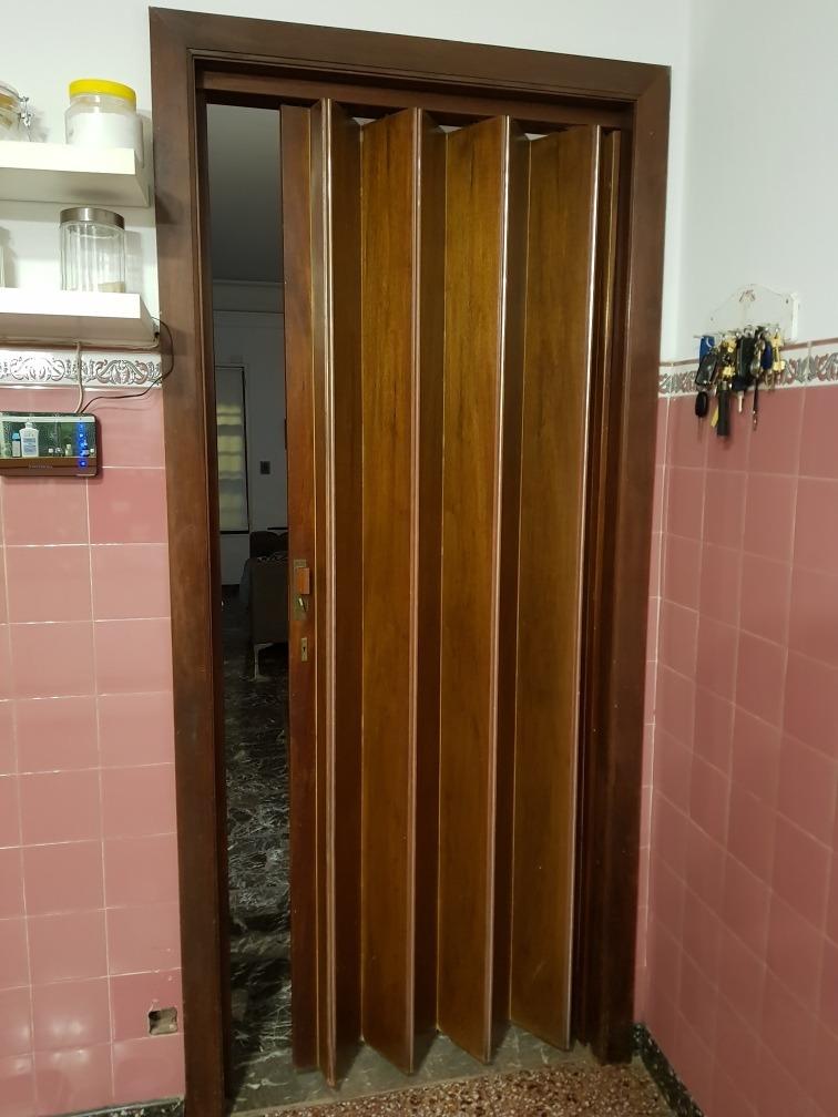 Puerta plegable en cedro en mercado libre for Puertas plegadizas de madera