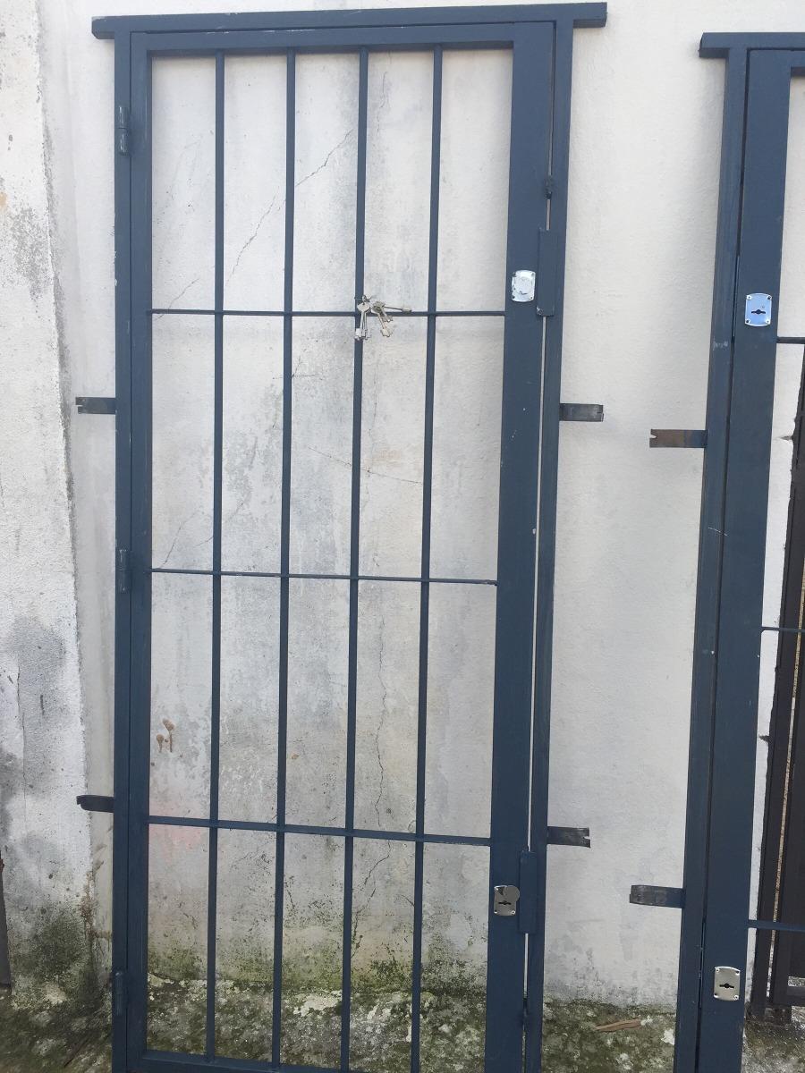 Puerta rejas sencillas y dobles en hierro 121416 a me for Puertas dobles de hierro antiguas