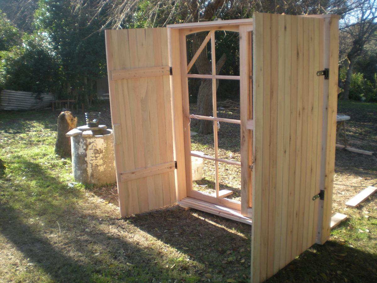 Puerta ventana con postigones en madera todas las medidas for Mercadolibre argentina ventanas de madera