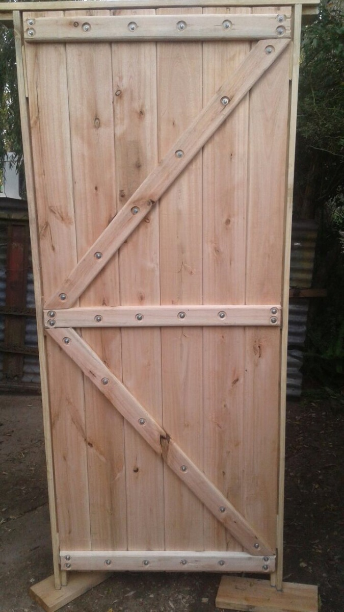 Puertas madera eucalipto en mercado libre for Descripcion de puertas de madera