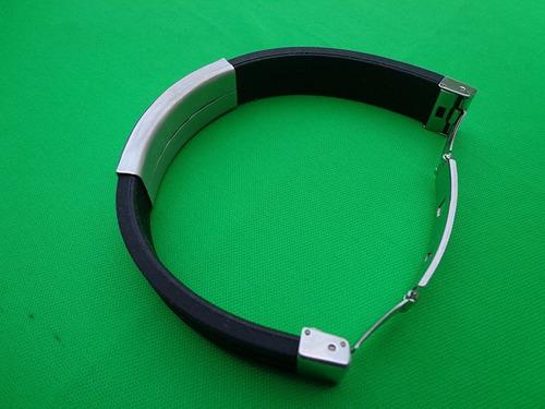 pulsera brazalete de acero inoxidable y caucho personalizada