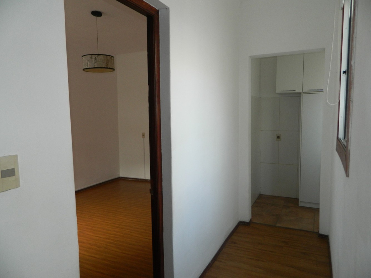 punta carretas , 1 dormitorio, grande , impecable estado